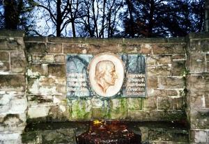 Gedenktafel in Langewiesen